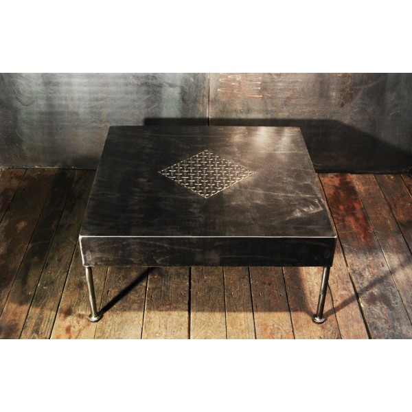 table basse style industriel. Black Bedroom Furniture Sets. Home Design Ideas