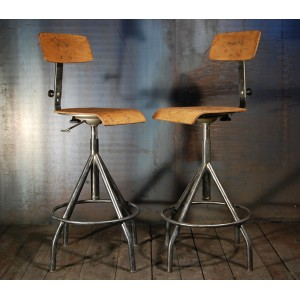 tabouret d atelier chaises d usine tabourets industriels. Black Bedroom Furniture Sets. Home Design Ideas